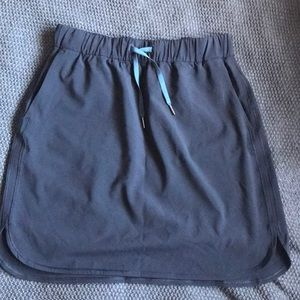"Lululemon Athletica ""on the fly skirt"", sz 10"